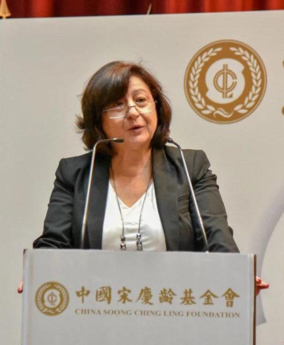 Fundação desportiva chinesa em Almada